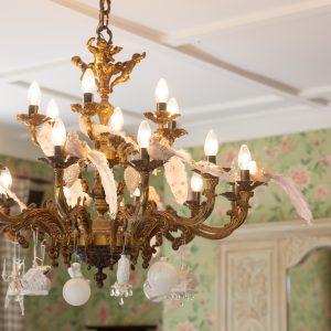 Beaufort House Akaroa chandelier